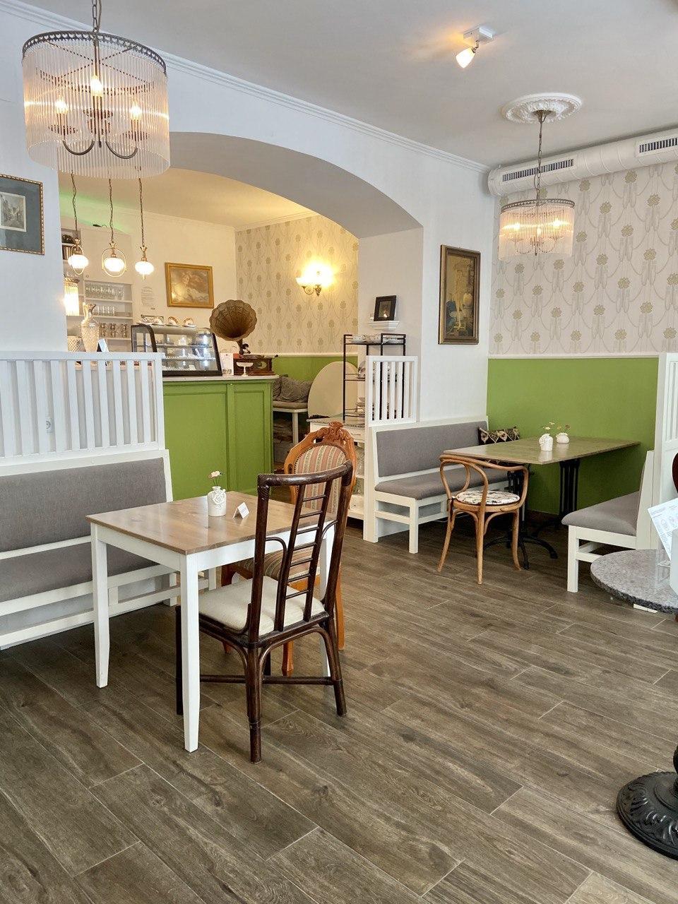 Das Café Grüner Salon von innen