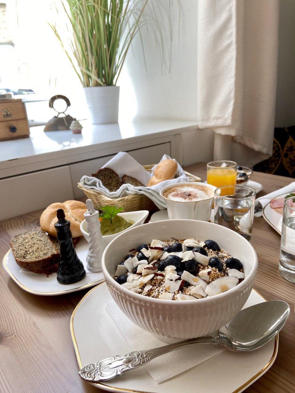 8 Lokal Tipps für dein glutenfreies Frühstück in Wien – zölisicher!